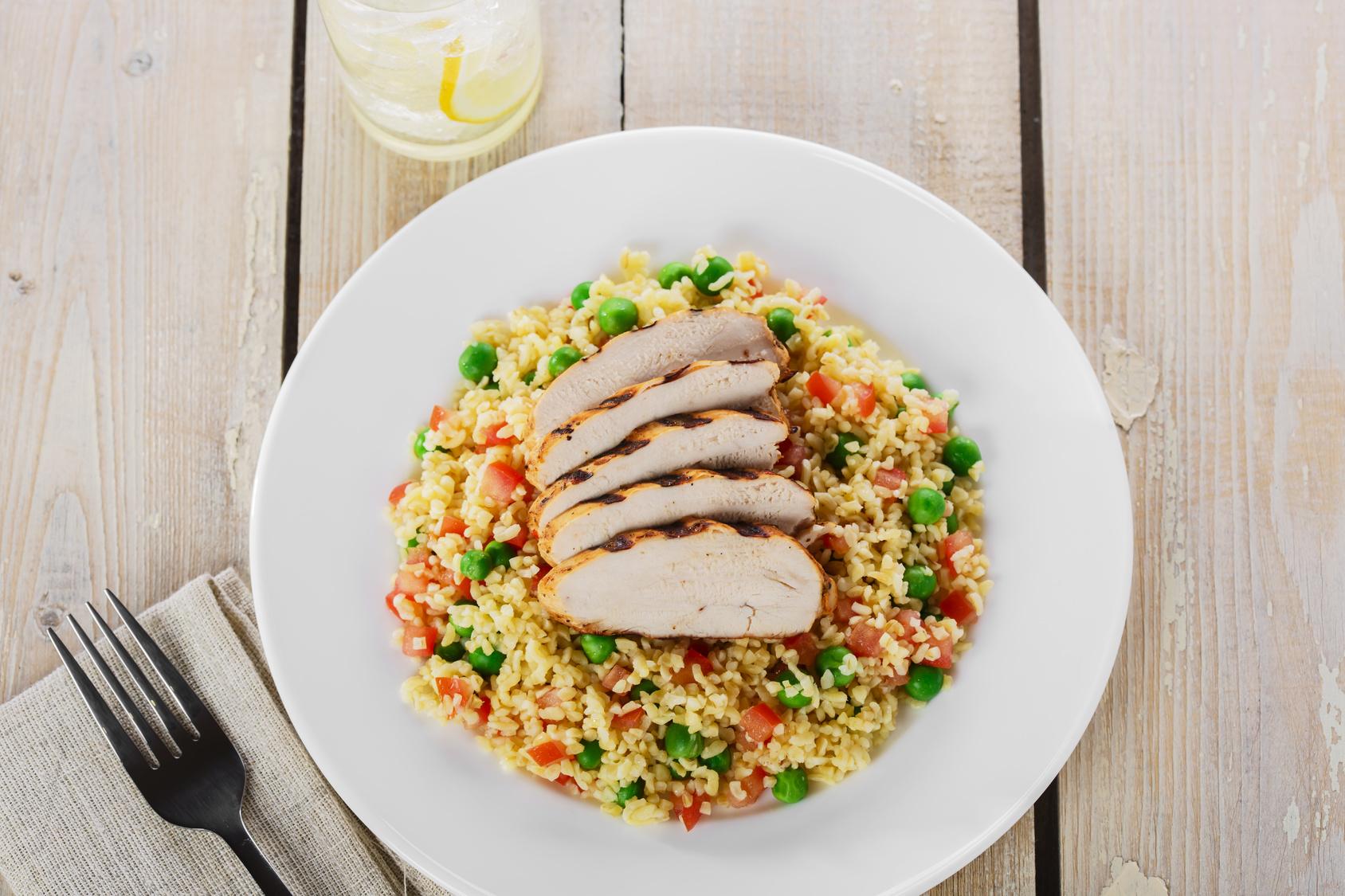 Grillowany kurczak na kaszy kuskus przepisy dietetyczne
