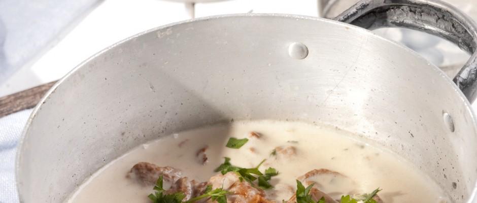 Przepis na sos grzybowy ze śmietaną